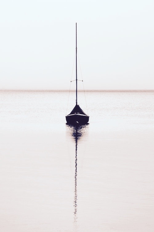 2016-nov-20-sailboat-adrift-1