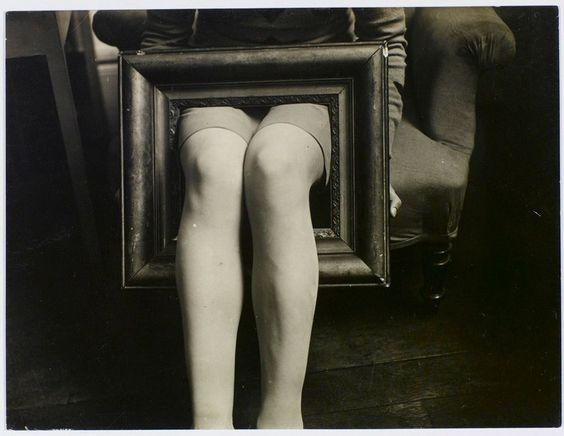 2016-dec-17-man-ray-jambes-dans-un-cadre-1930